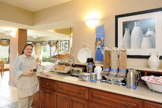 Hampton Inn Spartanburg - North I-85: Breakfast Bar