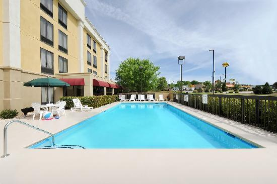 Hampton Inn Spartanburg - North I-85: Spartanburg Hotel Outdoor Pool