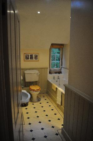 Priory Cottage Bed & Breakfast: Salle de bains chambre verte