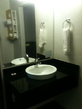 Motel 6 Missoula - University: sink area is much bigger in person