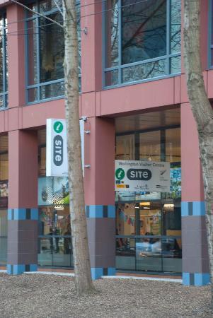 Wellington i-SITE Visitor Information Centre : Wakefield Street side