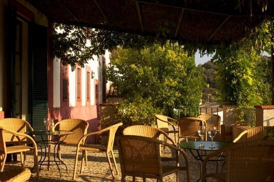 Hotel Posada de Valdezufre: Porche