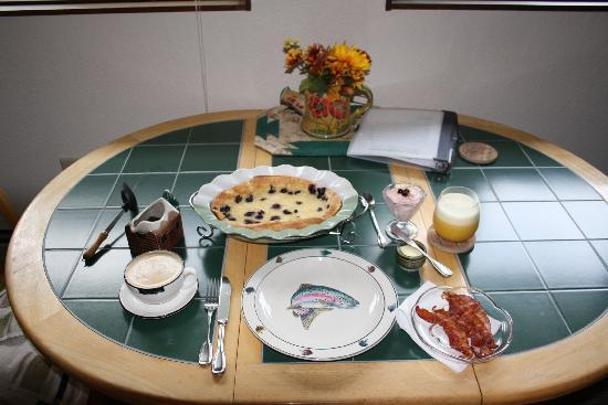 Kenai Riverfront Resort: Breakfast
