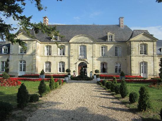 Hotel Manoir de Restigne : L'entrée