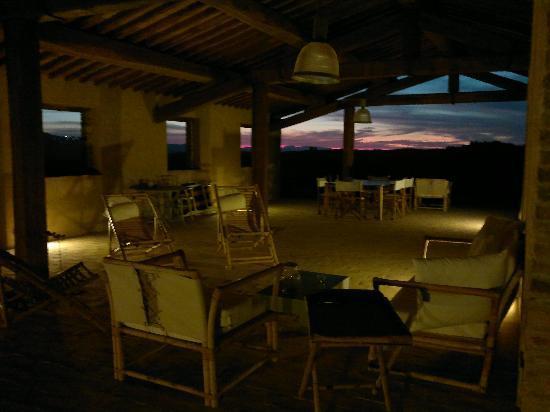 Podre al Salcio: verandah at night