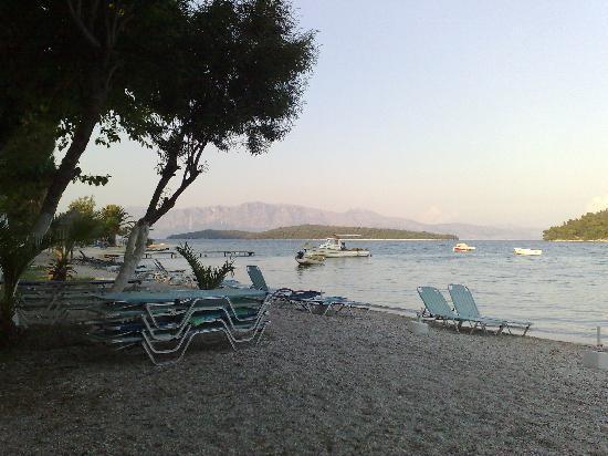 ΑΥΡΑ ΜΠΙΤΣ: Avra Beach - Nidri - june 2011