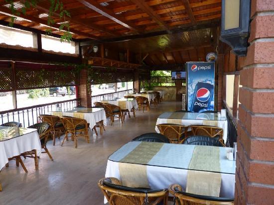 Orange Garden Hotel & Aparts: Restaurant
