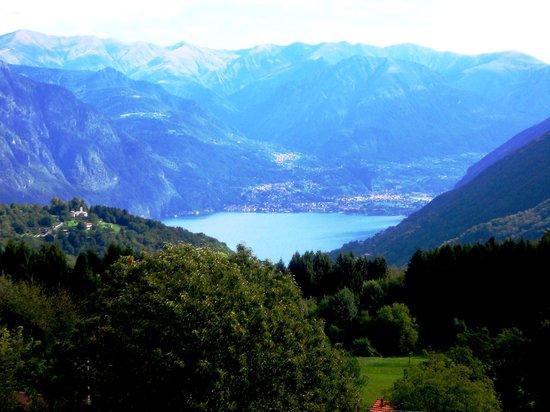 Uno scorcio del Lago di Lugano nei pressi di Lanzo d'Intelvi