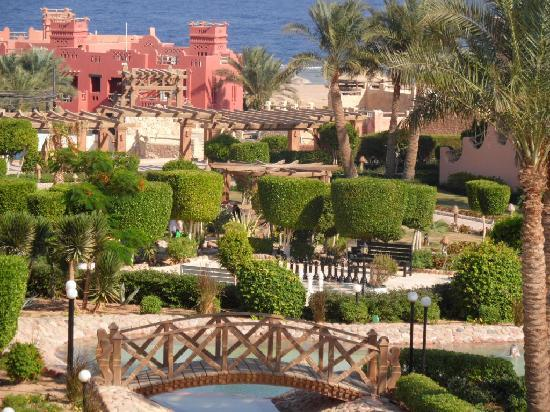 Charmillion Gardens Aqua Park: View from Lebanese restaurant
