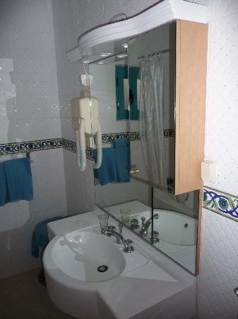 Club Oasis Marine : salle de bains