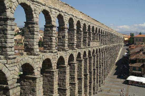 ท่อส่งน้ำเซโกเวีย: Segovia - Aqueduct