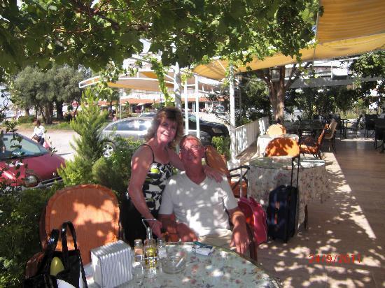 Kusmez Hotel: dining area