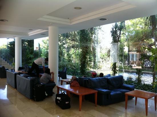 Eix Alzinar Mar Suites - Adults Only: recepción