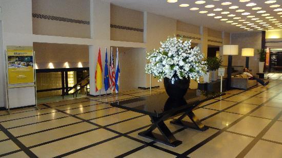 Dan Tel Aviv Hotel: Lobby Area