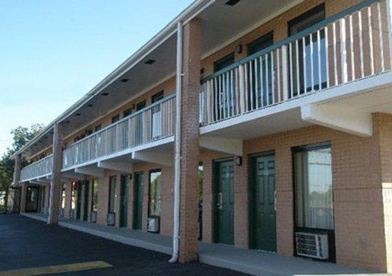 Rodeway Inn Charlotte \ Downtown: Exterior