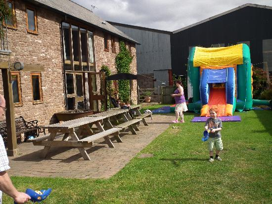 Llangarron, UK: Bouncy Castle