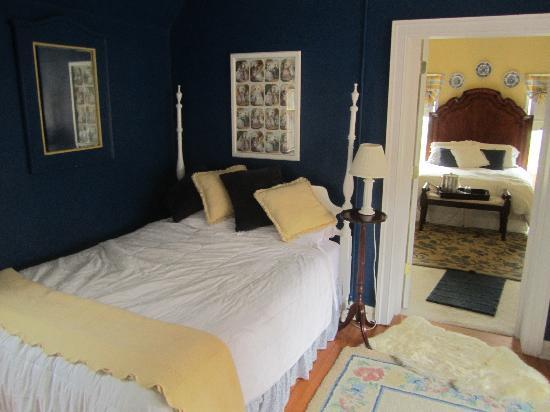 Longacre: The smaller bedroom of the Maisonette Suite.