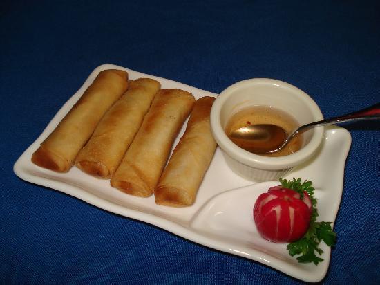 Cafe Asiana: Crispy Thai Rolls