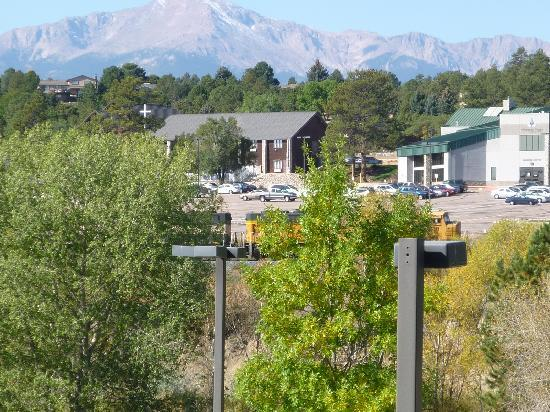 Staybridge Suites Colorado Springs : View of Pikes Peak from Hotel