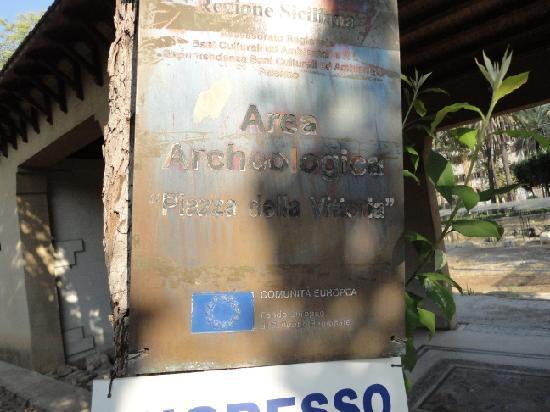 Case Romane a Piazza della Vittoria: Cartello Ingresso
