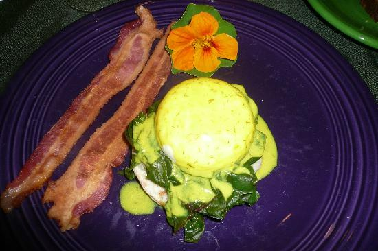 Barsen House Inn: Eggs Florentine for breakfast