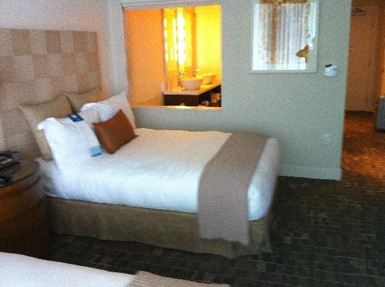Kimpton EPIC Hotel: Camera bis