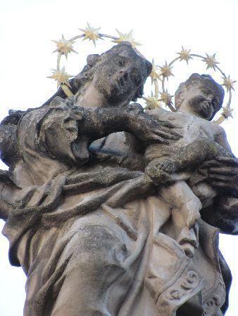 Bisschhofliches Jesuiten Priester Seminar: Our Lady statue