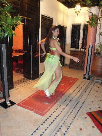 Riad Princesse du Desert: Dance