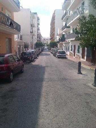 Hostal Valencia: road at front of hotel down to west end.