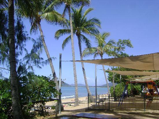 Coral Horizons Beachfront Apartments: zona circostante