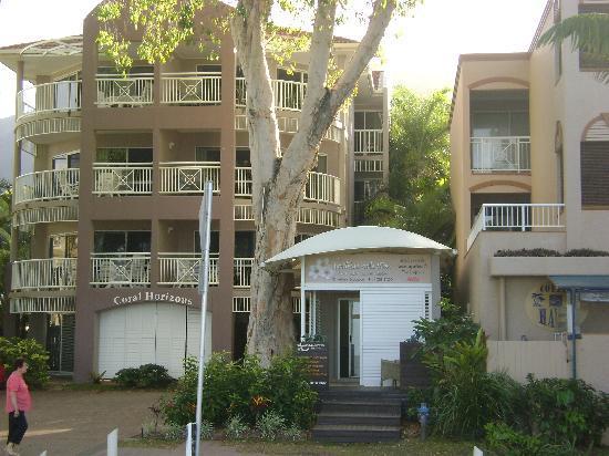 Coral Horizons Beachfront Apartments: il complesso degli appartamenti