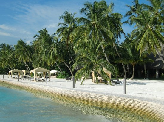 Shangri-La's Villingili Resort and Spa Maldives: Beach