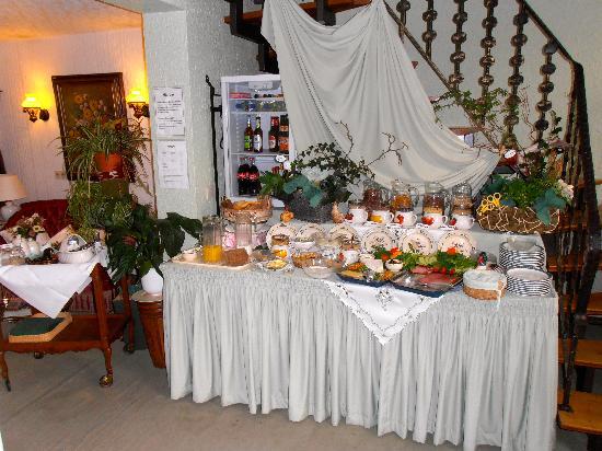 Hotel Marx : breakfast buffet (included)