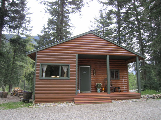 Mt. Robson Mountain River Lodge: cabin