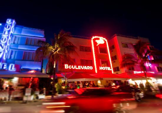 Boulevard Hotel Ocean Drive: front