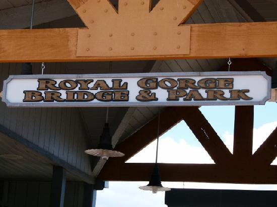 Royal Gorge Bridge and Park: the entrance to great heights.