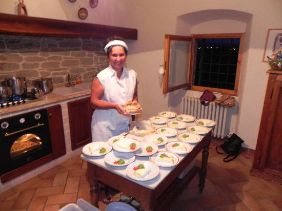 Quercia al Poggio: Lucia preparing Dinner