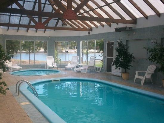 piscinas cerradas en refugio del solis, costa de oro, Uruguay
