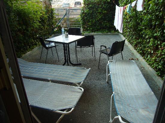 Rinconada Real: patio area at rear