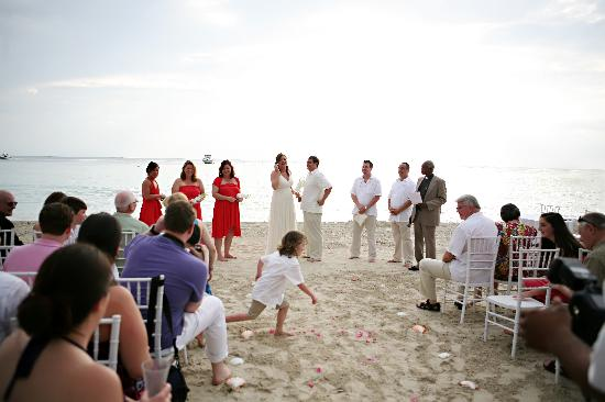 Beaches Negril Resort & Spa: Our seaside ceremony
