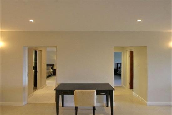 Amara Suites: Diamond Hallway