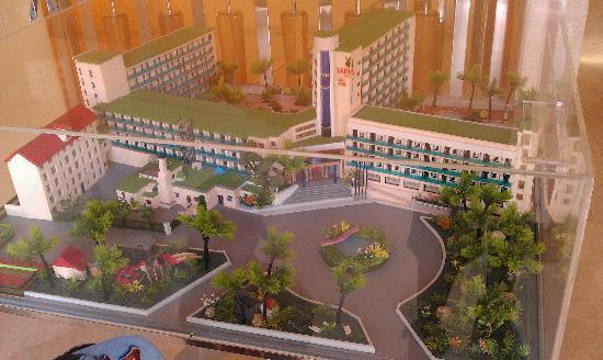Golden Taurus Aquapark Resort: Maquette de l'hotel de fasse