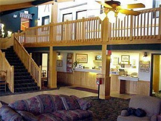 Baymont Inn & Suites Kasson Rochester Area: log cabin look