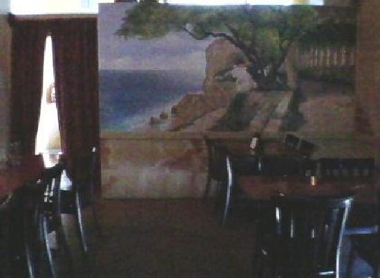 Vito's Ristorante & Pizzeria: Another landscape wall painting