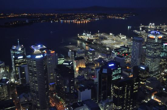 Kiwi International Hotel: Sky Tower, a 20 minutos del Kiwi Hotel