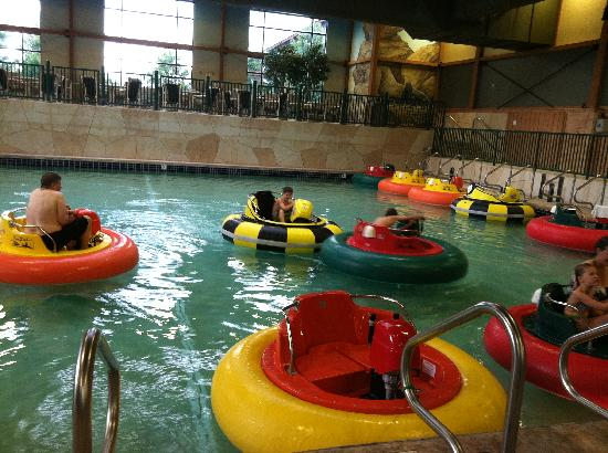 Glacier Canyon Lodge: Wild West: Bumper boats