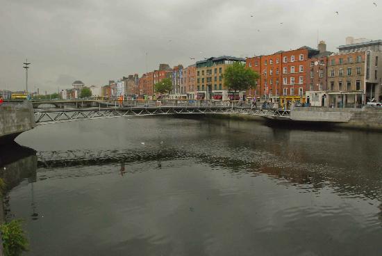 Millennium Bridge: Beautiful part of Dublin