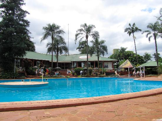Hostel Inn Iguazu: the giant pool