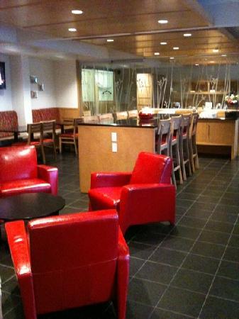 Hotel & Suites Le Dauphin Quebec : salle a manger