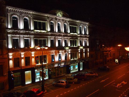 Randhouse Morskaya: Night view from the lobby window
